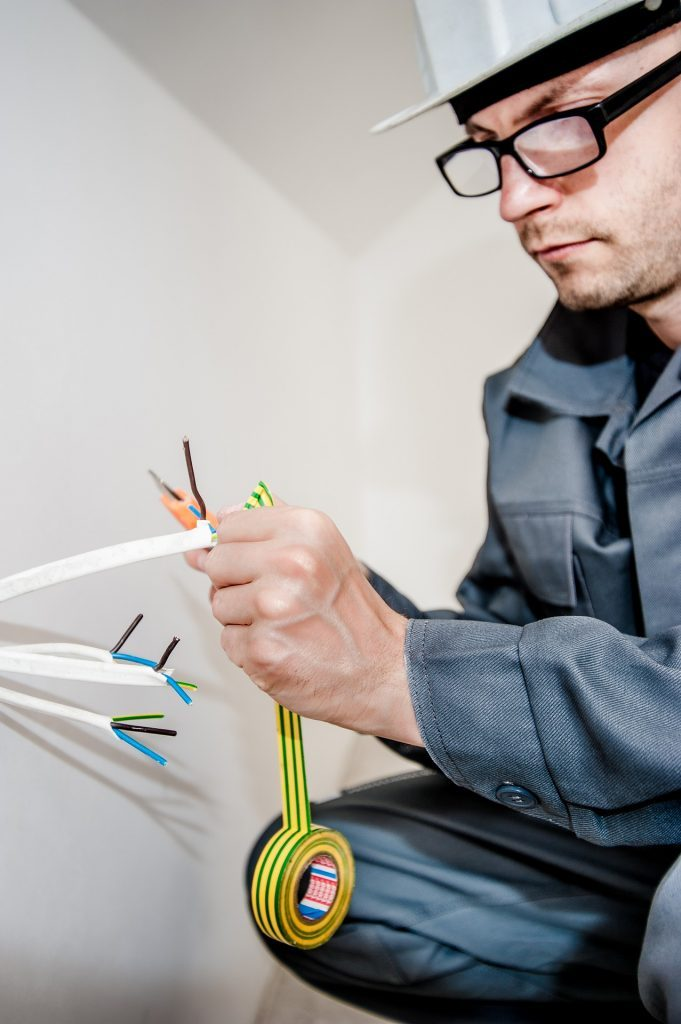 Electrician In Liverpool – Best Commercial And Domestic Services